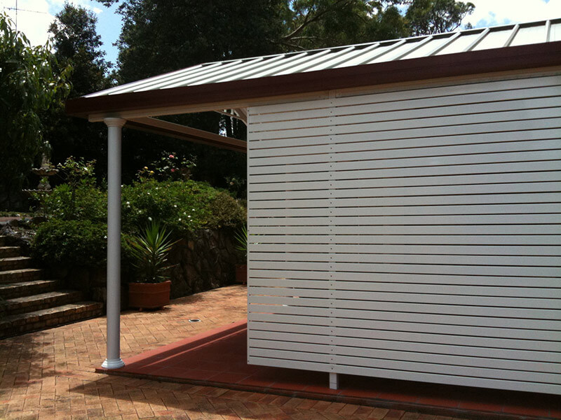 Louvered Privacy Screens
